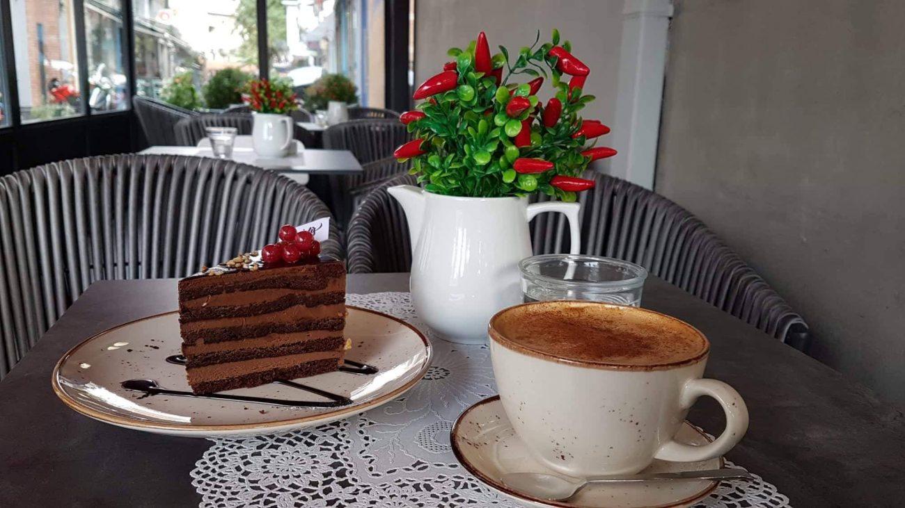 Καφεζαχαροπλαστείο «Παντελής»: Μια όαση στο κέντρο της Κατερίνης!