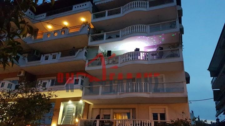 ΤΩΡΑ: Το πάρτυ των Dj's στα μπαλκόνια της Πιερίας ξεκίνησε! (VIDEO)