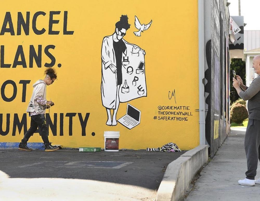 11+1 street art δημιουργίες για την πανδημία του κορωνοϊού που θα σας εκπλήξουν