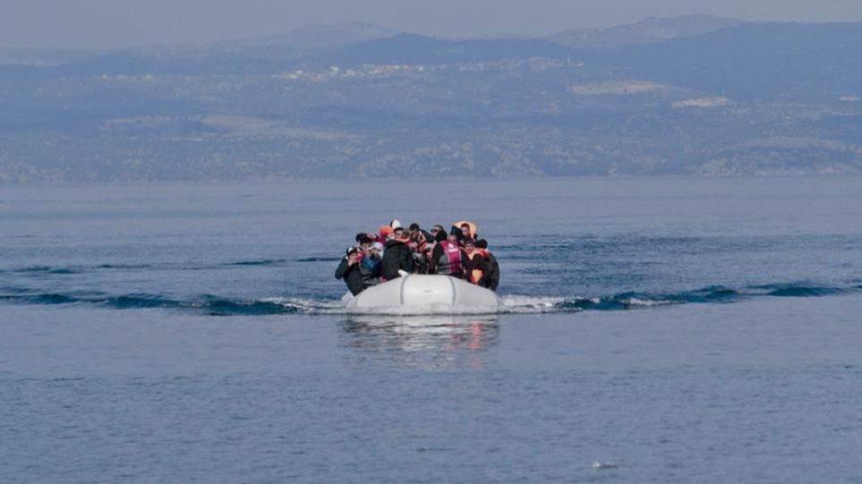 Τουρκία: Απειλεί να στείλει μετανάστες με κορωνοϊό στα νησιά - Ενίσχυση δυνάμεων στο Αιγαίο